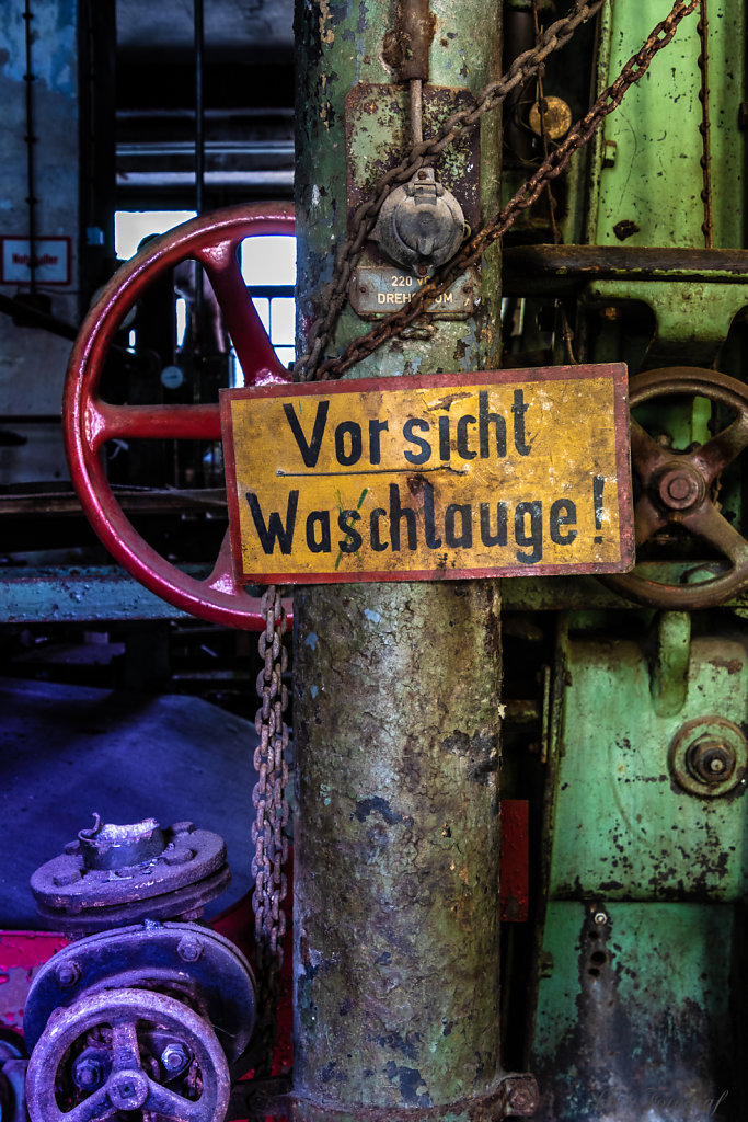 Vorsicht Waschlauge
